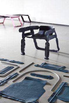 chair uses retro camping assemblage method christian heikoop glissade chair dutch design week designboom Eindhoven, Bauhaus, Modern Furniture, Furniture Design, Unusual Furniture, Crate Desk, H & M Home, Design Process, Industrial Design