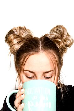 Space Buns Tutorial in less than 5 Minutes! - - Whip together space buns in less than 5 minutes with this quick and easy hair tutorial that will take you step by step through creating your own space buns! 5 Minute Hairstyles, Box Braids Hairstyles, Hairstyle Ideas, 2 Buns Hairstyle, Cute Quick Hairstyles, Hairstyles 2016, Lower Bun Hairstyles, How To Do Hairstyles, Braid Bun Updo