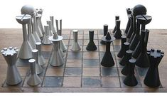 78 Creative Chess Sets - From Snarling Battle Boards to Illuminated Strategy Games (TOPLIST)