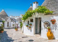 Scenic sight in Alberobello, the famous Trulli village in Puglia (Apulia), southern Italy. World's Most Beautiful, Stunning View, Beautiful Beaches, Alberobello Italy, Puglia Italy, Southern Italy, Top Destinations, Bari, World Heritage Sites