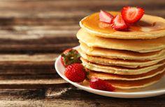Panquecas fitness preparada com apenas DOIS ingredientes ovos e banana, fica deliciosa para comer no café da manha ou no lanche da tarde. essa receita é....