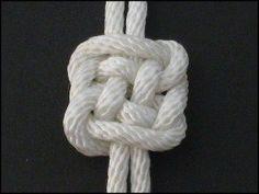 Plafond http://www.fusionknots.com/graphics/gallery/knots/Plafond%20Knot.html
