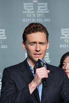 Tom Hiddleston. South Korea. Via Torrilla.tumblr.com