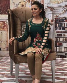 queen Simple Pakistani Dresses, Pakistani Wedding Outfits, Pakistani Dress Design, Stylish Dresses For Girls, Simple Dresses, Casual Dresses, Fashion Dresses, 15 Dresses, Sleeves Designs For Dresses