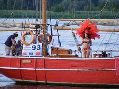 Impressionen von der Hanse Sail   Wenn die richtigen Gäste der Hanse Sail mitfahren
