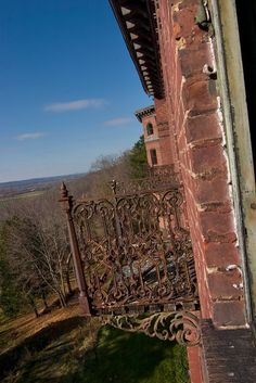 Jackson Sanatorium Located in Dansville, NY Abandoned Asylums, Abandoned Buildings, Abandoned Places, Castle On The Hill, Air Photo, Old Building, Jackson, Old Things, History