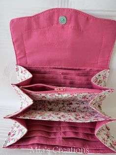 A blog mostly about bag making with quilting and crafts thrown in for good measure.