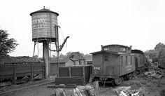 Rahway_Valley_-_Water_Tower-Coal_Bunker-Hack_102-Loco-Kenilworth,_NJ_-_7-4-39_(Votava-Keller).jpg
