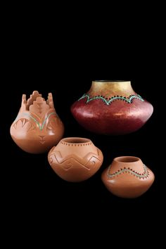 Pottery by Caroline Carpis, Isleta Pueblo. Native American Artwork, Native American Symbols, Native American Crafts, Native American Pottery, Native American Artists, Native American Indians, Southwest Pottery, Southwest Art, Pottery Designs