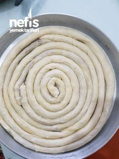 Hand Rolled Pastry With Spinach Yummy Recipes, Cooking Recipes, Yummy Food, Ramadan Desserts, No Bake Desserts, East Dessert Recipes, Spinach Rolls, Turkish Recipes, Spring Rolls