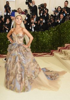 """Here's What Every Celebrity Wore To The 2018 MET Gala This year's MET Gala theme is """"Heavenly Bodies: Fashion and the Catholic Imagination.""""<br> This year's MET Gala theme is """"Heavenly Bodies: Fashion and the Catholic Imagination. Gala Dresses, Red Carpet Dresses, Corset Dresses, Pretty Dresses, Beautiful Dresses, Amazing Dresses, Elegant Dresses, Met Gala Outfits, Glamour"""