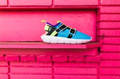 8c062ac2196 Nike Vortak (Lagoon Pulse Volt Glow Black)