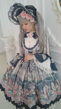 ^ I'm a lolita from Europe and will collect here sweet lolita pictures, mostly Angelic Pretty, sometimes other pastel and cute things. Harajuku Girls, Harajuku Fashion, Kawaii Fashion, Cute Fashion, Asian Fashion, Gyaru Fashion, Estilo Lolita, Kawaii Cosplay, Mode Alternative