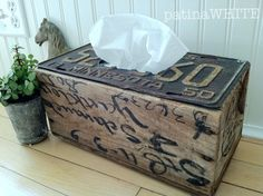 kleenex box from reclaimed wood abd vintage license plate. License Plate Crafts, Old License Plates, License Plate Art, License Plate Ideas, Diy Projects To Try, Wood Projects, Craft Projects, Tissue Box Covers, Tissue Boxes