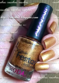 RoseBox: Unhas douradas com adesivos