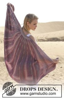 """Knitted DROPS shawl with domino squares and short rows in """"Delight"""" and """"BabyAlpaca Silk"""". ~ DROPS Design"""
