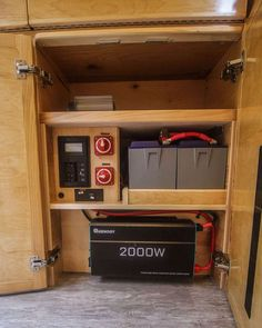This van conversion was built for taking extended weekend trips, with a double drop down bed, large kitchen galley, and a modular bench seat with a dog bed. Van Conversion Solar, Van Conversion Interior, Camper Van Conversion Diy, Motorhome Sprinter, Sprinter Van, Enclosed Trailer Camper, Tiny House Big Living, Build A Camper, Van Design