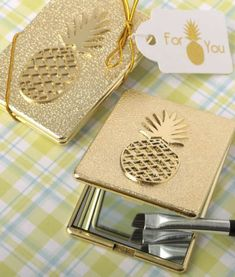 Pineapple Themed Compact Mirror - FREE Custom Tags - BestPriceFavors.com
