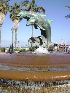 Dolphin Fountain @ Stearns Wharf, Santa Barbara, CA