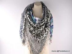 Tijger sjaal luxe blauw grijs   Sjaals Ibiza style   Trends4sure