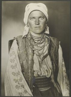 A Ruthenian Woman. 33 Beautiful Vintage Portraits Of America's Immigrant Past From Ellis Island: http://www.buzzfeed.com/andrewkaczynski/33-stunning-portraits-of-immigrants-at-ellis-island