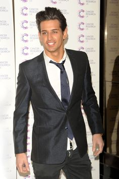 I absolutely need Ollie Locke in my life