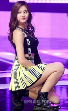 Your number one Asian Entertainment community forum!Tzuyu (Twice) - getting down to some mischief, without all the vowels. I'd settle for that sort of MSCHF on bended knees too.【Official Thread of Chou Tzuyu】 ღSignal ღStandByYu ღAnotherDayA Pretty Asian, Beautiful Asian Women, Cute Asian Girls, Cute Girls, Twice Show, Tzuyu Body, Asian Beauty, Korean Beauty, Korean Women