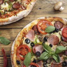 Base de pizza Pizza Rica, Empanadas, Deli, Vegetable Pizza, Food And Drink, Cooking Recipes, Tasty, Vegetables, Healthy