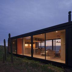 felipe assadi aligns prefabricated modular home with the chilean coastline