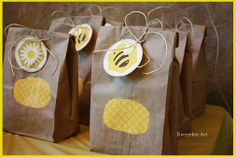 Favors for bumblebee party