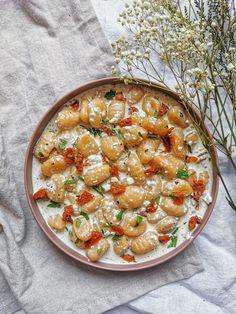 Greek Recipes, Light Recipes, Italian Recipes, Salty Foods, Cooking Recipes, Healthy Recipes, Feta, Food Trends, Spring Recipes