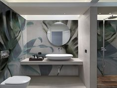 """""""Fiberglass"""" The customized fiberglass wall covering by N. Edizioni It's technical and decorative at the same time, the """"fiberglass"""" system is designed for wet areas such as bathrooms, kitchens, gyms and wellness centers. Wallpaper Decor, Wallpaper Jungle, Mural Wall Art, Wall Art Designs, Powder Room, Furniture Design, Mirror, Bathrooms, Catalogue"""