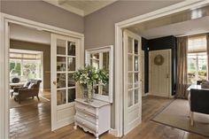 mooie deuren tussen keuken en kamer