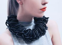 rubber necklace by alienina alienina.com Diy Necklace Collar, Diy Jewelry Inspiration, Jewelery, Diy Jewellery, Love To Shop, Contemporary Jewellery, Chain, My Style, Website