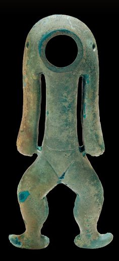 ca. 8th C. BCE Bronze Human Figure (铜人形器) Flourishing from about 1200 - 500 BCE, Jinsha was an unwalled town of the Sanxingdui culture. ancient Sichuan China