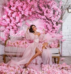 Debut Party, Harry Styles Songs, Dps For Girls, Boutique Design, Floral Fashion, Bridesmaid Dresses, Wedding Dresses, Fashion Shoot, Pretty In Pink