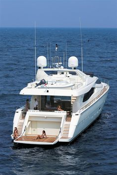 External view Ferretti Yachts - Ferretti 881 #yacht #luxury #ferretti