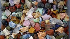 KeavensCrystal&Rock Worldwide Mix, 50+ Stone Types from Asia, South America, Madagascar Bulk Rough used for Reiki Healing, Tumbling, Cabbing, Cutting, Polishing, Landscaping. (1lb)