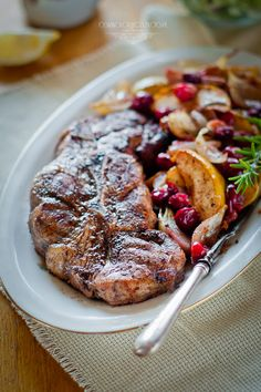 Pork with apples and cranberries