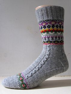 Ravelry Hamish — a free pattern for a knit pair of fair isle socks from General Hogbuffer. Fair Isle Knitting Patterns, Knitting Stitches, Knitting Socks, Hand Knitting, Crochet Socks, Knit Crochet, Knit Socks, Knitted Slippers, Crochet Granny