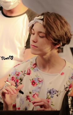 150614  Vernon at Yongsan I-Park Fansign Event. cr. Ylan
