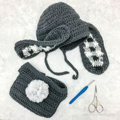 Crochet Gingham Bunny Bonnet and Bunny Tail Diaper Cover - a free pattern — Left in Knots One Skein Crochet, Crochet Beanie Pattern, Crochet Scarves, Double Crochet, Free Crochet, Crochet Hats, Crotchet, Crochet Baby Bonnet, Crochet Bunny
