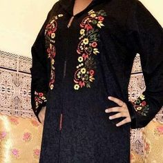 126 mentions J'aime, 1 commentaires - caftan marocaine (@caftan_maro) sur Instagram Arabic Dress, Fashion Vocabulary, Beaded Embroidery, Hand Embroidery, Machine Embroidery, Moroccan Caftan, Embroidered Tunic, Shalwar Kameez, Mode Hijab