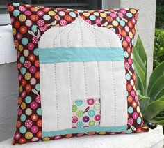 Bird+Cage%2C+pillow%2C+free+pattern+by+Rebecca+Johnson+at+Chasing+Cottons.jpg 500×450 pixels