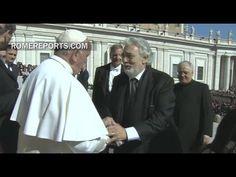 Un emocionado Plácido Domingo saluda al Papa Francisco