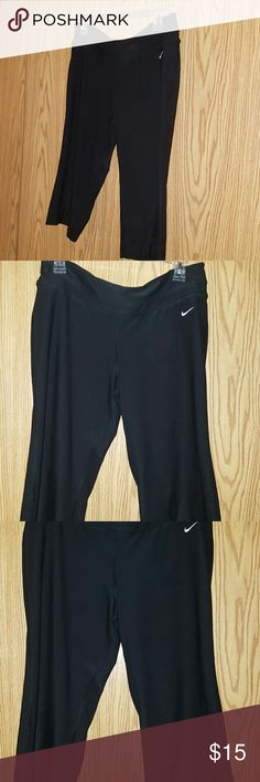 Nike Dri Fit capri Pants Nike Dri Fit capri pants Size Large Nike Pants Capris