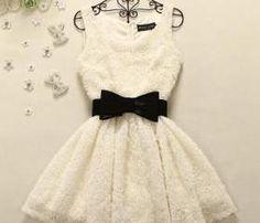 Sleeveless Dress With Black Bow