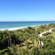 For a Gulf Coast getaway still in town, scoot across the bridge from Sarasota, Florida, to Longboat Key and check into The Resort at Longboat Key Club. Coastalliving.com