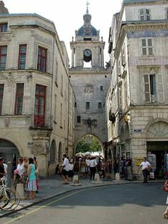 La Rochelle big clock tower, Poitou-Charentes  http://www.holidays-france-atlantic.com