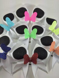 1 Minnie cheer bow.